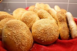 Hamburgerbröd och några korvbröd