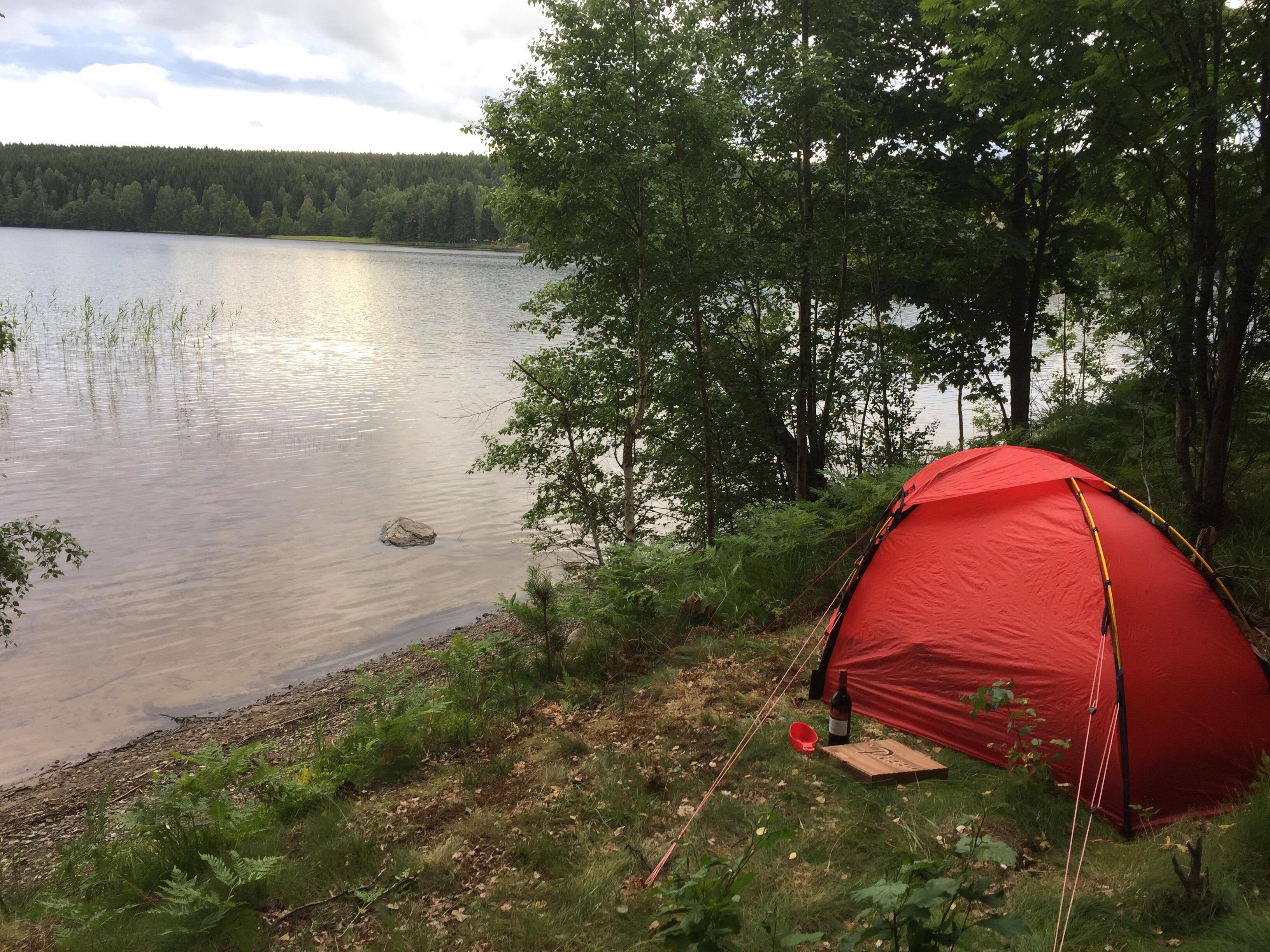 Dagens äventyr – tälta i trädgården – A, C, V, A & E